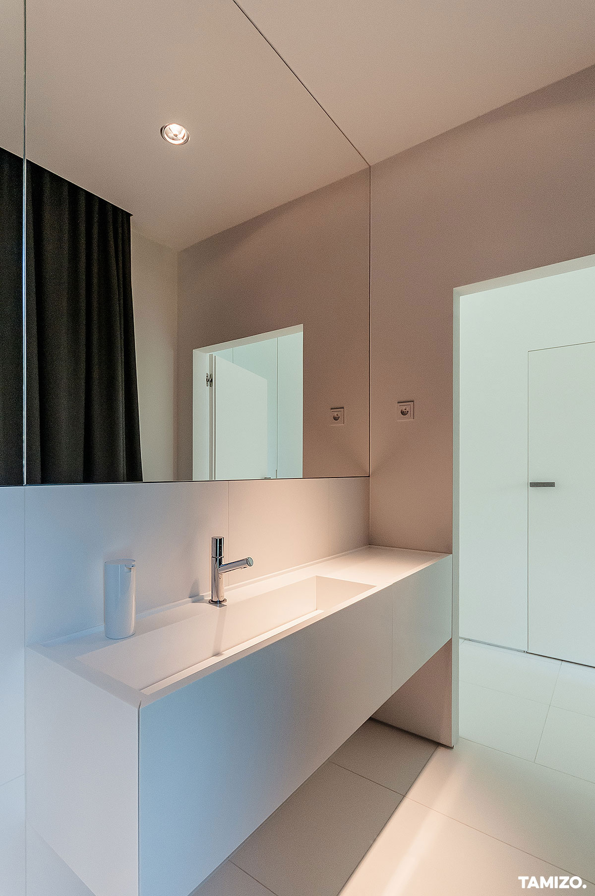 I053_tamizo_architekci_wnetrze_minimalizm_04